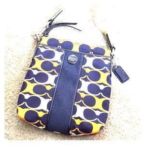 💕 Coach navy blue orange small crossbody bag 💕